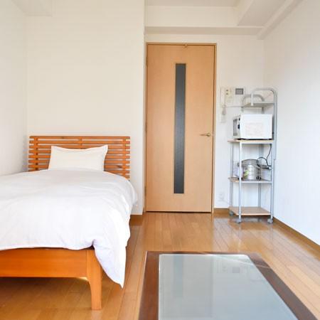 7帖のお部屋にシングルベッド。